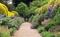 Ascott House Gardens, Buckinghamshire, UK   A view of the magnificent mirror flower borders in high summer (21 of 22) - http://www.1pic4u.com/blog/2014/09/12/ascott-house-gardens-buckinghamshire-uk-a-view-of-the-magnificent-mirror-flower-borders-in-high-summer-21-of-22/