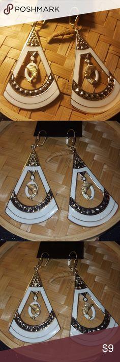 Jazzy Queen Nefertiti dangle earrings Jazzy Queen Nefertiti dangle earrings.  Gold tone Lever backs ear wires. Jewelry Earrings