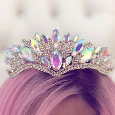 Princess P Jewelry Co. Bridal Crown, Bridal Tiara, Cute Jewelry, Hair Jewelry, Glamouröse Outfits, Mode Poster, Mermaid Crown, Magical Jewelry, Princess Aesthetic