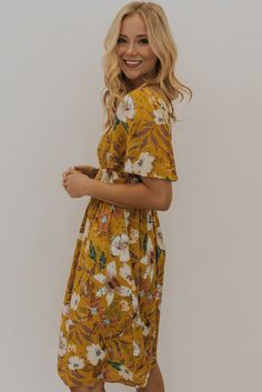 Floral dress Spring fashion for womenRock, Alba Moda Alba ModaAlba ModaT-shirts for womenT-shirt with woven front and willow print ted baker ted bakerFloral dress spring fashion for women skirt, Alba Moda Alba ModaAlba Moda T-shirts Spring Dresses, Spring Outfits, Floral Maxi, Floral Dresses, Women's Dresses, Express Fashion, Mom Dress, Spring Fashion, Short Sleeve Dresses