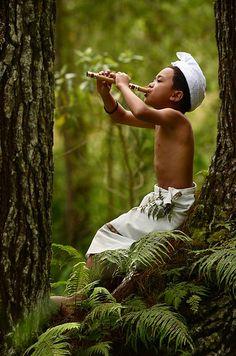 Festejando al dios de la naturaleza.