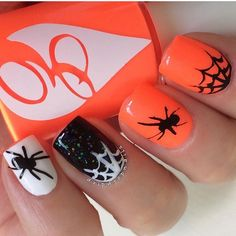 Fun Halloween mani by @dripdropnails using our Spider Nail Decals found at snailvinyls.com