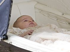 First Photos of Royal Family of 4! Princess Kate, Prince William, Prince George and Princess Charlotte Enter Church for Christening| The British Royals, The Royals, Kate Middleton, Prince George, Prince William, Princess Charlotte
