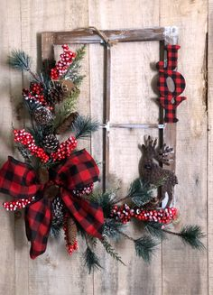 Rustic Frame Plaid red and black. Christmas Wood Crafts, Country Christmas Decorations, Christmas Frames, Rustic Christmas, Christmas Projects, Xmas Decorations, Holiday Crafts, Christmas Time, Christmas Ornaments