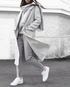 Warm Elegant Wool Winter Coat Shop beautiful Fall Winter Fashion Dont miss Mode Winter Fashion Outfits, Fall Winter Outfits, Look Fashion, Autumn Winter Fashion, Womens Fashion, Grey Fashion, Fall Fashion, Fashion Mode, Ladies Fashion