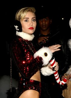 Miley Cyrus - Jingle Ball
