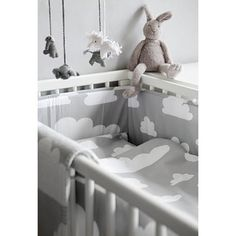 Cloud bedding for cot