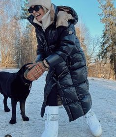 Moon Boots, Moncler, Winter Jackets, Instagram Posts, Gears, Fashion, Winter Coats, Moda, Winter Vest Outfits