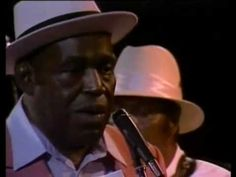 Willie Dixon - I Am The Blues [Full DVD].mp4 - YouTube  70 mins.