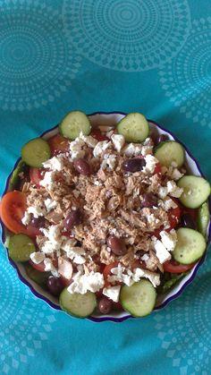 Tonfisk & fetaost sallad Acai Bowl, Breakfast, Food, Acai Berry Bowl, Morning Coffee, Essen, Meals, Yemek, Eten