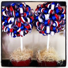 Fabulous Channel by Giselle Claudino: of July Crafts, Decoration & Food! Patriotic Crafts, July Crafts, Holiday Crafts, Fourth Of July Decor, 4th Of July Wreath, July 4th, Home Staging, Ribbon Topiary, Decor Crafts