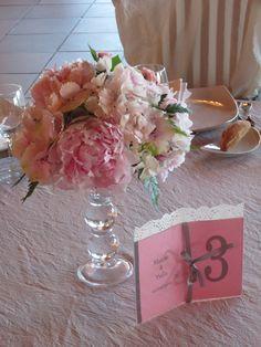 Centro rosa con peonias