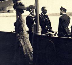 historybyerin:  Kaiser Wilhem II welcomes his cousin Alexandra and Czar Nicholas II