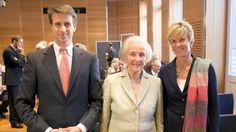 Die Quandts: Deutschlands reichste Familie http://www.bild.de/regional/muenchen/johanna-quandt/deutschlands-reichste-familie-38926570.bild.html