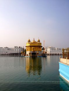 Even amongst the thousands of visitors, you still find tranquility here. (Harmandir Sahib - Golden Temple)