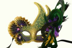 #M3295 Venetian styled eye mask w/ fans and feathers on top side Size: Adult Colors: Gold, Green, Purple