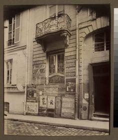 Balcon 16 Rue Beaujolais arr) By Eugène Atget Eugene Atget, Paris Vintage, Old Paris, Saint Germain, Tour Eiffel, Old Pictures, Old Photos, Vintage Photos, Eastman House