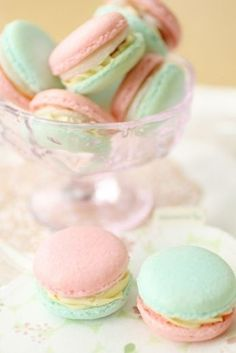 Chic in pastels: PASTEL macaroons