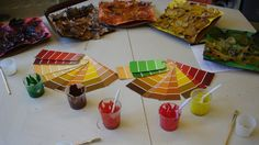 The Colours of Fall Inquiry: Curious in Kindergarten Kindergarten Inquiry, Full Day Kindergarten, Kindergarten Colors, Inquiry Based Learning, Kindergarten Science Centers, Kindergarten Crafts, Learning Tools, Early Learning, Kids Learning