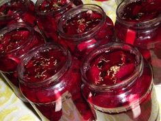 Nici un medicament nu este mai puternic Canning Pickles, Good Food, Yummy Food, Romanian Food, Preserving Food, Healthy Salad Recipes, Canning Recipes, Smoothie, I Foods