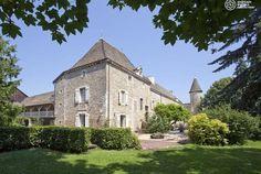 Burgund, das Hotel Château de Fleurville, Mitglied von Châteaux & Hôtels Collection, empfängt Sie in einem herrlichen 2 Hektar grossen Park. Profitieren Sie von Ihrem Aufenthalt und entdecken Sie eine der schönsten Regionen Frankreichs! Kunst des Reisens mit Bontourism®