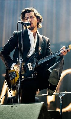 40 Super Ideas For Music Lyrics Indie Alex Turner Arctic Monkeys, South Yorkshire, Sheffield, Rock And Roll, Monkey Puppet, The Last Shadow Puppets, Tyler Blackburn, Jamie Campbell Bower, Celebrity Travel