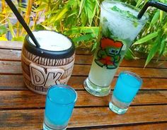 Jungle inspired video game drinkware with Donkey Kong Barrel mugs, and Blanka drinking glasses at Insert Coin Bar in Chile