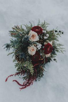 Awesome Winter Bouquet Wedding Burgundy Creative Maxx Ideas is part of Winter wedding bouquet - Winter Bouquet Wedding Burgundy Awesome Winter Bouquet Wedding Burgundy, Burgandy Wedding Snowflake theme Elegant Winter Wedding, Winter Wedding Flowers, Wedding Day, Gold Wedding, Wedding Ceremony, Wedding Sites, Wedding Themes, Trendy Wedding, Snow Wedding