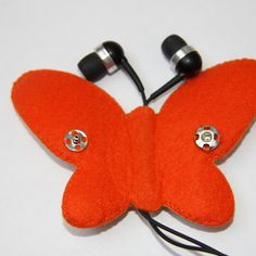 Make a Cute Butterfly Earphone Holder via @Guidecentral - Download the free…