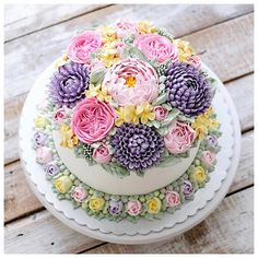 Repost ivenoven    Because every cake is special, it has to be delicious inside and beautiful outside. Thank you for order - enjoy - repeat.
