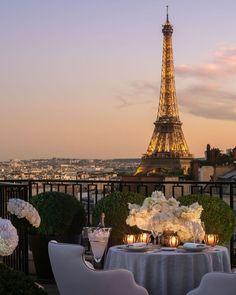 Great Pictures, Cool Photos, Night Pictures, Taxi Moto, Magical Images, Paris Summer, Little Paris, France 3, Paris Eiffel Tower