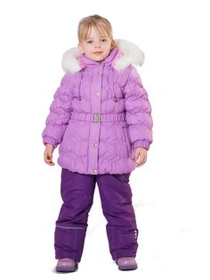 """Комплект для девочки утепленный (холлофан 150 г/м2+синтепон 150 г/м2). Куртка: застежка на молнию и ветрозащитную планку с кнопками; стежка полочек, спинки и рукава эластичной ниткой-резинкой; на талии пояс на резинке с пряжкой; воротник-стойка; отстегивающийся капюшон с регулировкой и опушкой из искусственного меха """"белый медведь"""", рукава на манжетах с резинкой; внутренняя сторона воротника и манжет, подкладка капюшона, спинки и полочек из флиса; 2 прорезных  кармана на м..."""