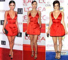 """Was ein echter Klassiker ist, das kommt nicht aus der Mode – diese Devise gilt unter anderem auch für das kleine rote Cocktailkleid aus Seidensatin aus der Herbstkollektion 2014 von Dior. Denn der süße Look ist auch eineinhalb Jahre später noch ein gerngesehener Gast auf dem roten Teppich! Zu den prominentesten Fans des Kleids zahlen Selena Gomez, """"Pretty Little Liars""""-Star Lucy Hale und Model Irina Shayk."""