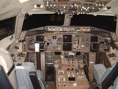 Boeing 757 Cockpit