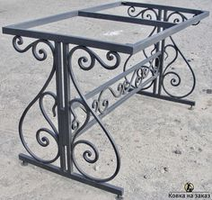 Metal table – metal of life Wrought Iron Decor, Wrought Iron Gates, Iron Furniture, Steel Furniture, Gate Design, Door Design, Steel Railing, Iron Table, Coffee Table Design