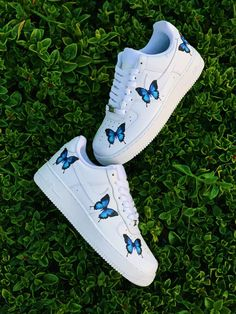 Each individual pair is handcrafted to orderNot paintedBrand new with boxFinal Sale. Non refundable/ No Exchanges.Turn around time weeks + Shipping Time(subject to change without notice depending on order volume) This is a special. Cute Sneakers, Sneakers Mode, Sneakers Fashion, Jordan Shoes Girls, Girls Shoes, Shoes Women, White Nike Shoes, All Nike Shoes, Running Shoes