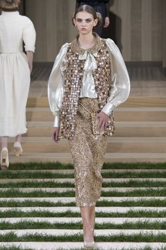 Chanel Spring 2016 Couture Fashion Show - Molly Bair (Elite)