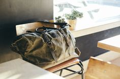 Waxed Canvas Holdall / Bag with Brown Leather / Waxed Overnight Bag / Weekend Bag / Vintage Backpack / Backpack Waxed Canvas, Canvas Leather, Leather Bag, Brown Leather, Holdall Bags, Duffel Bags, Tote Bag, Vintage Backpacks, Cotton Bag