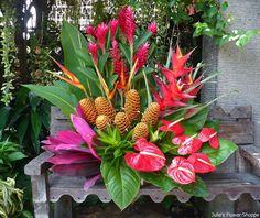 """Seguimos con flores exóticas y tropicales para arreglos """" modernos"""""""