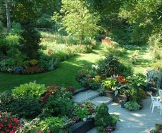 Idea for shaping garden around fruit trees Garden Yard Ideas, Terrace Garden, Garden Paths, Lawn And Garden, Backyard Retreat, Backyard Landscaping, Beautiful Flowers Garden, Beautiful Gardens, Landscape Design