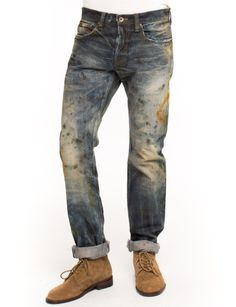 We're under construction. The PRPS Noir Basilisk Jean is made from 13.5 oz denim features a dark wash with heavy fade and paint splatter. Demon fit is mid rise and slim.