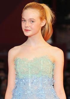 Actress Elle Fanning attends the 'Somewhere' premiere at the Palazzo del Cinema during the Venice International Film Festival on September 2010 in Venice, Italy. Ellie Fanning, Fanning Sisters, Dakota And Elle Fanning, Beautiful Figure, Beautiful Eyes, Elle Fashion, Fashion Models, International Film Festival, Fashion Pictures