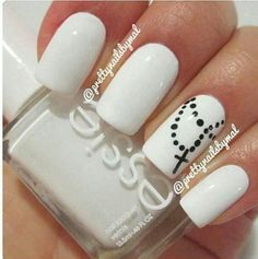 Im definetly going to try these rosary nails. I wonder if I could make the rosary go across to all the nails rather than just one. Get Nails, Fancy Nails, Love Nails, How To Do Nails, Pretty Nails, Dream Nails, Blue Nail, White Nails, White Polish
