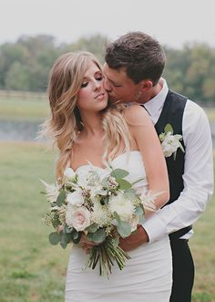 cream and ivory bridal bouquet | photos by Nicole Roberts | 100 Layer Cake