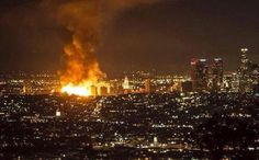 MORE than 250 firefighters are battling a massive fire which has engulfed downtown Los Angeles. It's understood the fire broke out in a apartment… Seattle Skyline, Paris Skyline, New York Skyline, Downtown Los Angeles, Impressive Image, Street Signs, Photo And Video, World, Pictures