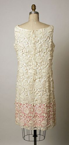 Dress, Evening.  House of Balenciaga  (French, founded 1937).  Designer: Cristobal Balenciaga (Spanish, 1895–1972). Date: 1968–68. Culture: French. Medium: cotton.
