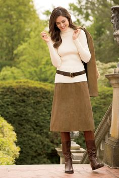 Midi suede skirt with turtle neck, boots and belt