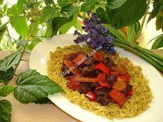 Vita picanta cu vin rosu si garnitura de orez curry