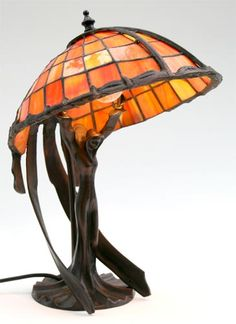 juliana-tiffany style lamp