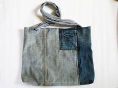 Große Einkaufstasche aus 2 alten Jeans und Bettzeug / Huge shopping bag made of 2 old jeans and discarded bed linen